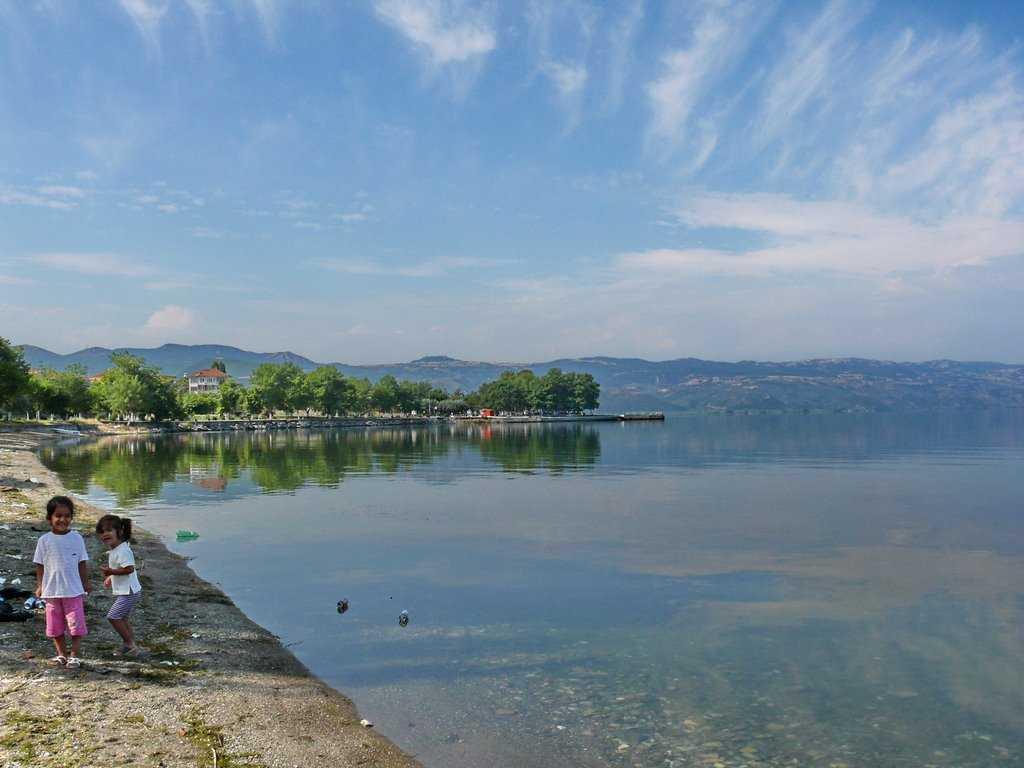 بحيرة ازنك
