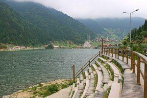 بحيرة اوزنجول في فصل الشتاء