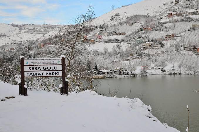 بحيرة سيراجول في الثلج