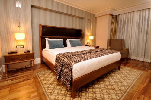 فندق تايتنك داون تاون اسطنبول